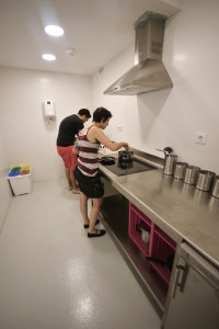 Cocina clientes Scouts Madrid Hostel